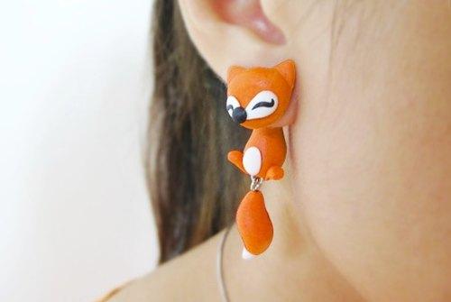 萱萱- 软陶 立体 可爱的红色 / 橙色 / 白狐狸耳环