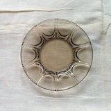 太陽褐色玻璃盤.甜點盤.餅乾盤::老件.限量一個.立體太陽花紋::