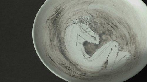 手绘素描插画陶瓷盘子