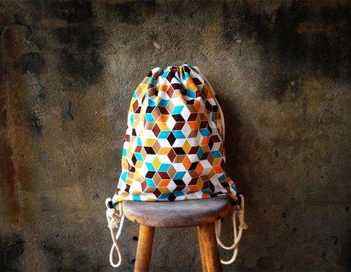 【束口包/後背包/束口袋-立體幾何正方體特殊包款】