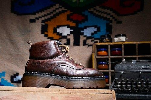 Vintage 英國Dr. Martens 咖啡色 6孔厚底靴