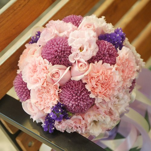 漫花草-粉紫色系新娘捧花 定制化婚礼捧花 欧式鲜花捧花