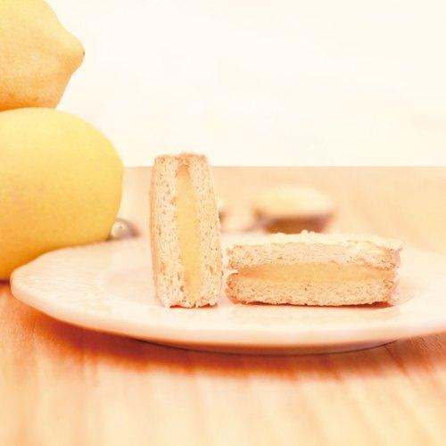 ★ 檸檬達克瓦茲 ★【 The Harvest ∞ 麥田⊙ 法式甜點 】DACQUOISE 法國百年甜點 由高級進口杏仁粉製作,似馬卡龍但又不會甜膩,外酥內軟充滿天然杏仁香氣 + 100%原汁檸檬餡,酸酸甜甜的好滋味~