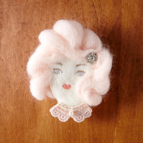 羊毛毡刺绣pink lady胸针 扣针