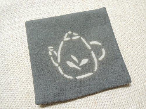 【姆姆手作良品】欖仁葉深灰植物染小茶壺杯墊