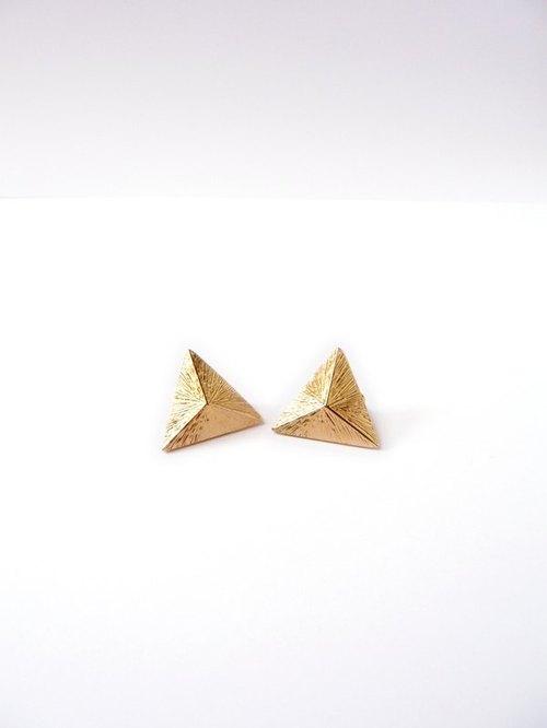 三角金字塔立体光芒耳环