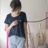 ✭hello my world刺繡款圓領寬寬tshirt(深藍色)