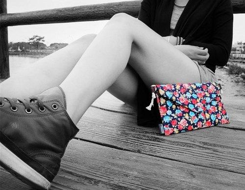 【手拿側背信封Dream Bag-靛青藍色小花朵】