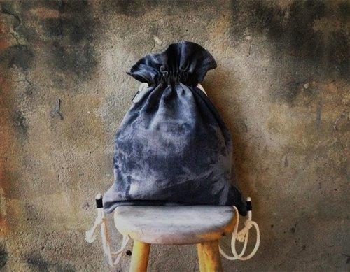 【束口包/後背包/束口袋-灰黑色水洗牛仔渲染款。】