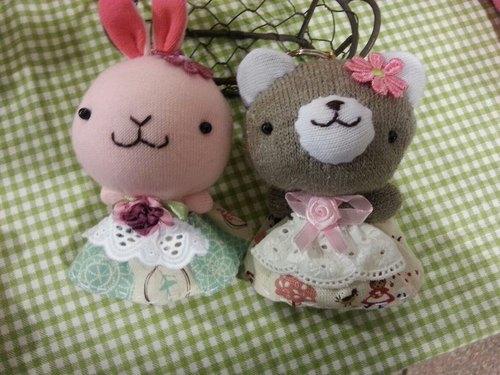 可爱公主兔.公主熊娃娃钥匙圈 - momosheep1207