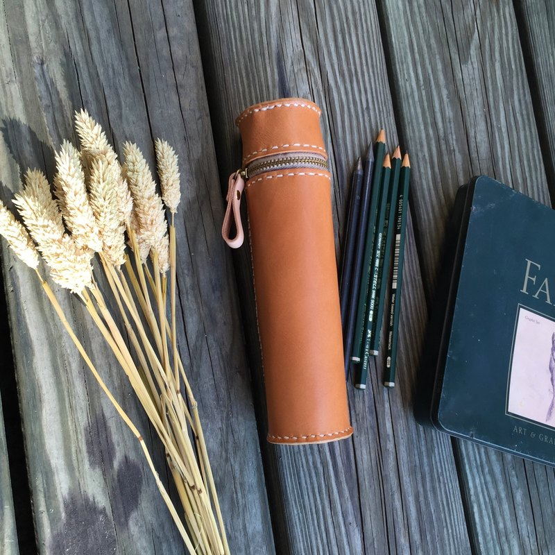 Cylinder vegetable tanned leather pencil case / Pen pouch -  Light tanned color