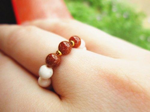 小小的系列【嫣紅】戒指 ‧ 金砂石 x 粉色白紋石 - Caterpillar. Stone