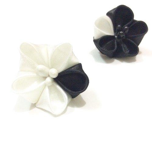 黑白色缎带花耳环 丝带花 つまみ细工 简约 黑白