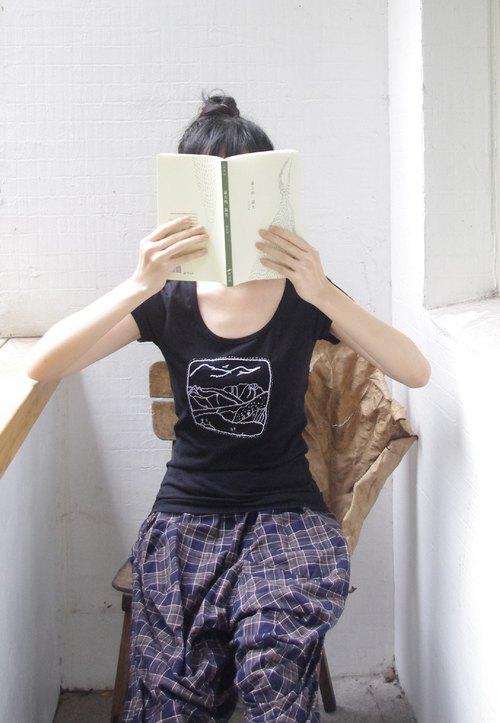 [muu a]::20gether::手工刺繡T恤系列-黑部立山的幻想  合身 瘦瘦版