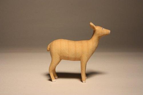 疗愈系木雕小动物_小鹿 deer (原木手工雕刻)