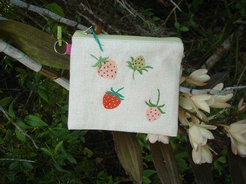 手工刺绣草莓图案拉链包