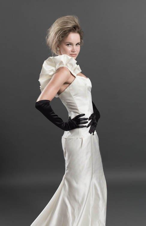 Eva Slim Elegant Tail Dress Pure Handmade Wedding Customized