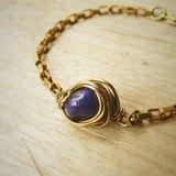 優雅與個人特色 青金石花苞黃銅手鍊
