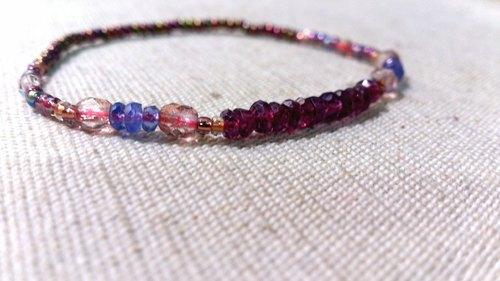 crystal in dearsharka || 濃桃紅變色紅石榴石 x 丹泉石 .濃紅潤藍的悠彩魅力