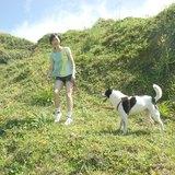 ﹅小狗跑在綠色草地背心(包袖款 / 背心款)