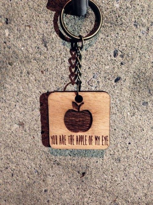【You are the apple of my eye-你是最珍貴的】山毛櫸木設計款鑰匙圈