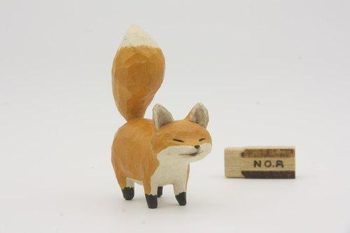 疗愈系木雕小动物_小狐狸a