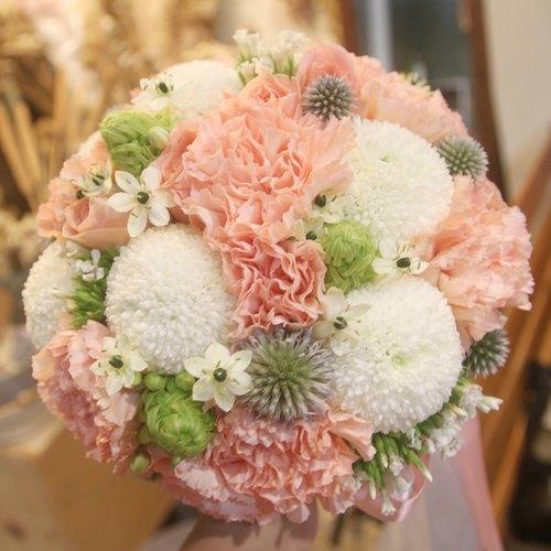 漫花草-绿白粉橘色系新娘捧花