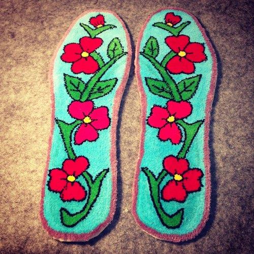 花朵 花 蓝色 可爱 吉祥 刺绣鞋垫 刺绣 传统 纯手工 鞋垫 割绒鞋垫