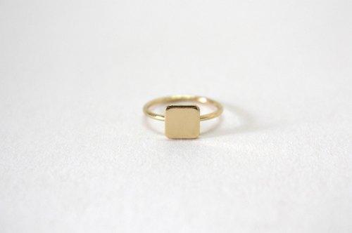 金色正方形方块小号戒指