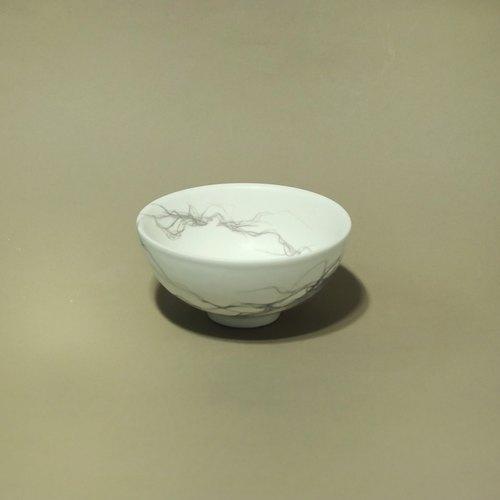 手绘线性插画陶瓷碗