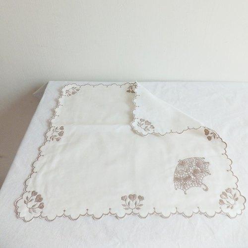 芭蕾舞伶蕾絲手帕/手絹系列:洋傘篇( 繡花 手巾 方巾 禮物 婚禮小物 )