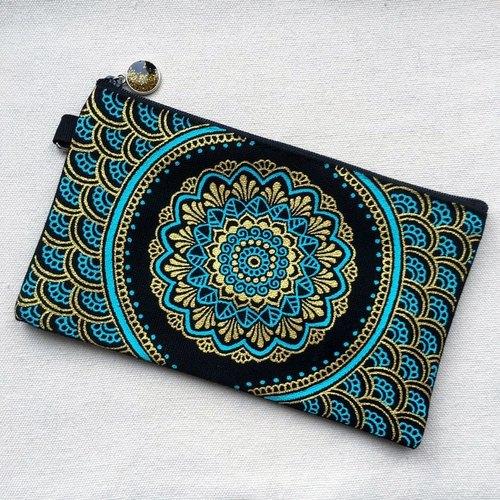 手繪收納包 鉛筆袋 化妝包 收納袋 筆袋 零錢包 拉鍊 筆盒 錢包 手機袋 金色 藍綠色 粉藍 手繪包 Henna Mandala 設計 彩繪 漢娜 蔓蒂 曼陀羅 禪繞 民族 印度彩繪 帆布