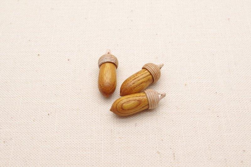 A keyaki maple wood carving acorn shitamachi lab