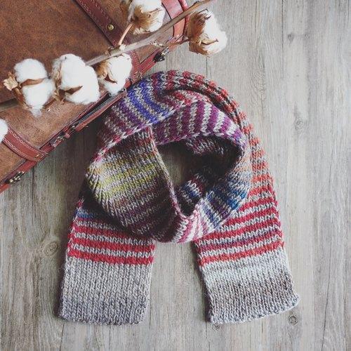 渐层色彩条纹围巾 儿童尺寸 手工编织围巾 圣诞礼物