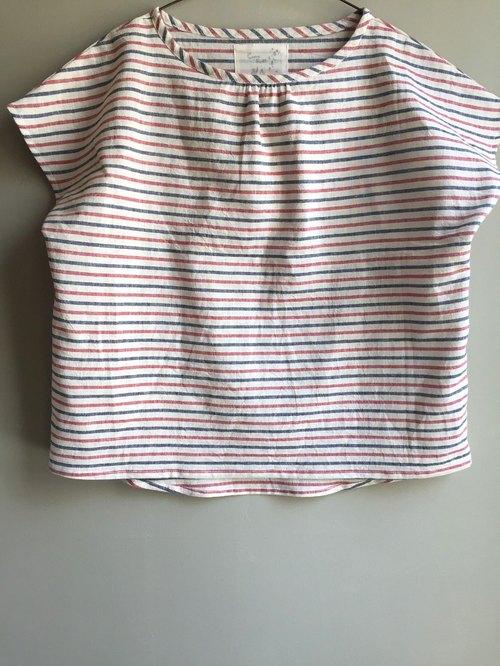 [小河流] ] 红蓝白三色条纹 法式袖小上衣 (前短后长版)100%麻
