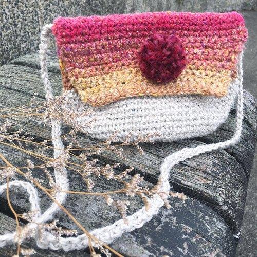 红莓波波球手编斜背包/单肩包/手工编织/编织包/手织