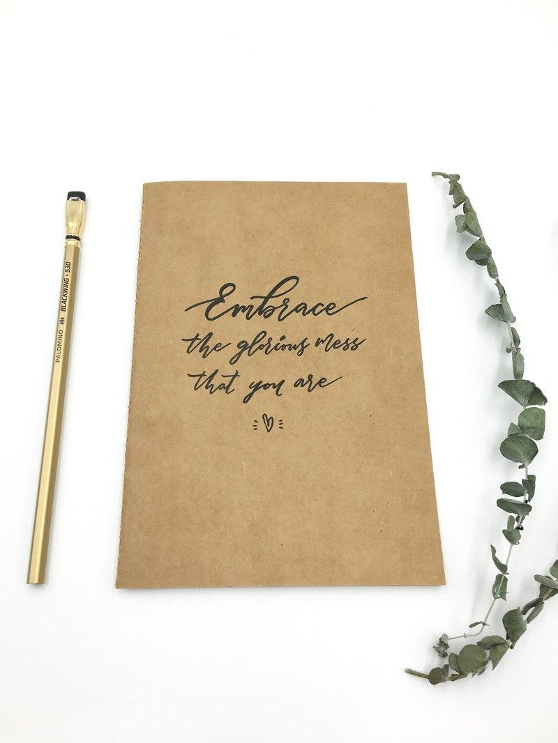 简单写字*限量专属手写英文书法设计款笔记本 a5 牛皮纸封面 空白内页图片