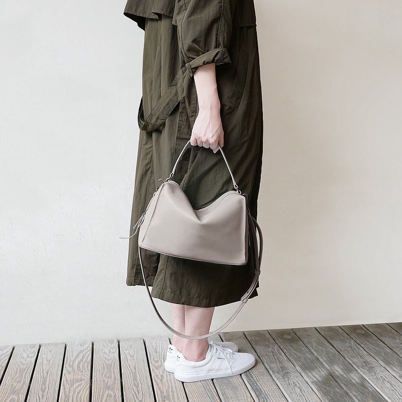 Valley Cube Shoulder Bag-Cumulus Grey