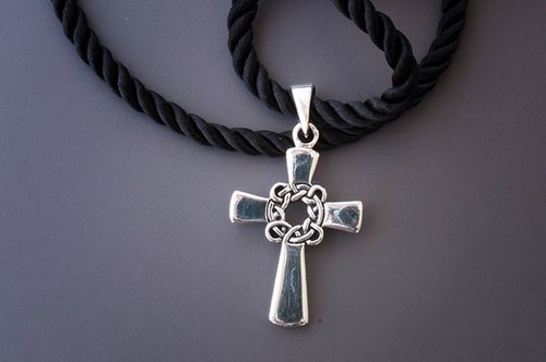 荆棘十字架 - 银墬饰锁骨鍊 /金属线/串珠/皮革物/手