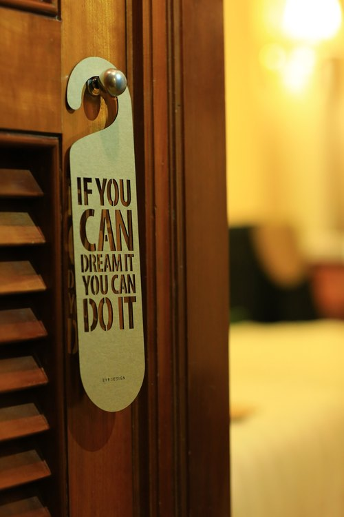【eyeDesign看見設計】一句話門掛「IF YOU CAN DREAM IT YOU CAN DO IT」D07