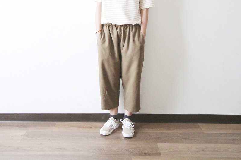Earth color drawstring cropped trousers - single size