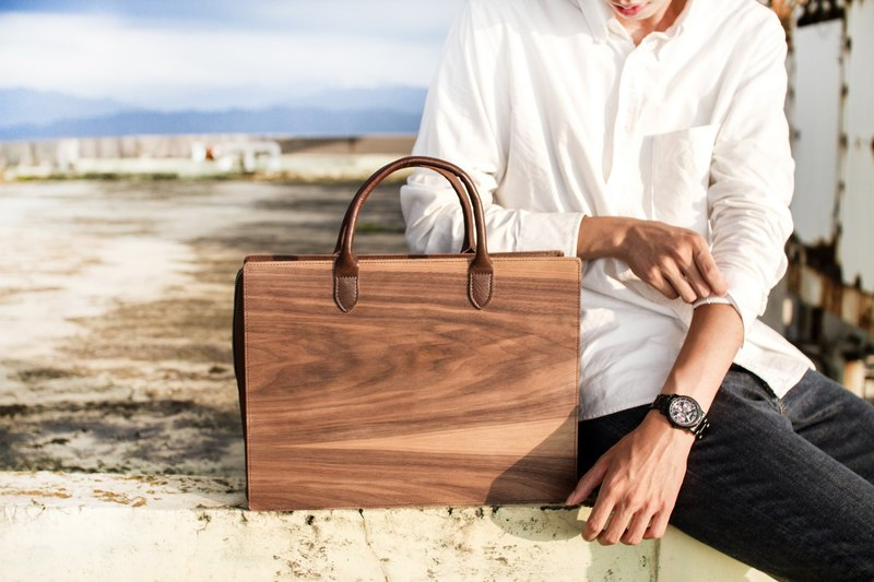 Wooden leather handbag