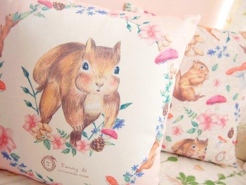 森林小松鼠系列 / 标准尺寸 / 可爱花环小松鼠抱枕连枕芯