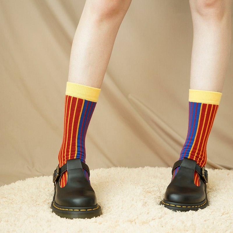 2019AWstrong original design series striped socks st01