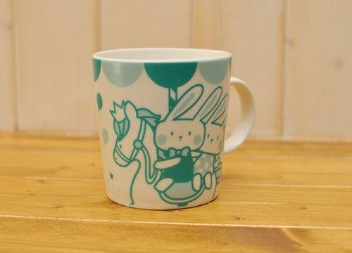 【SUMAIRU品牌】旋轉木馬微笑馬克杯★Tiffany藍綠