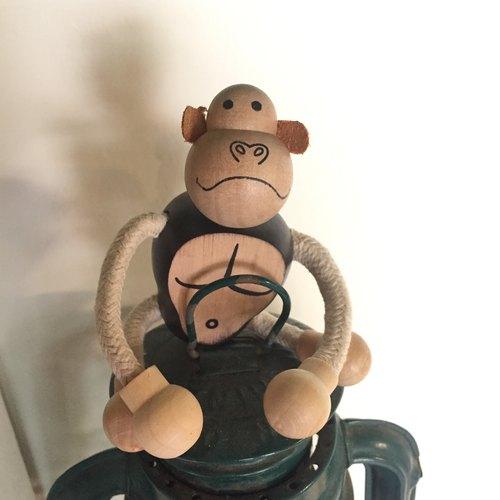 木制小动物 - 猩猩