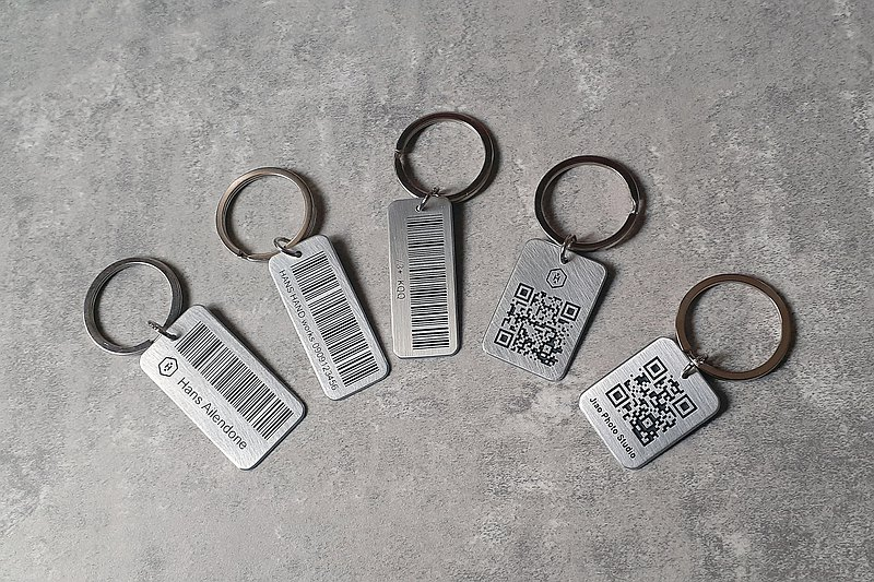 HANS HAND Customized by hand-3D profound metal carrier QR code barcode key ring