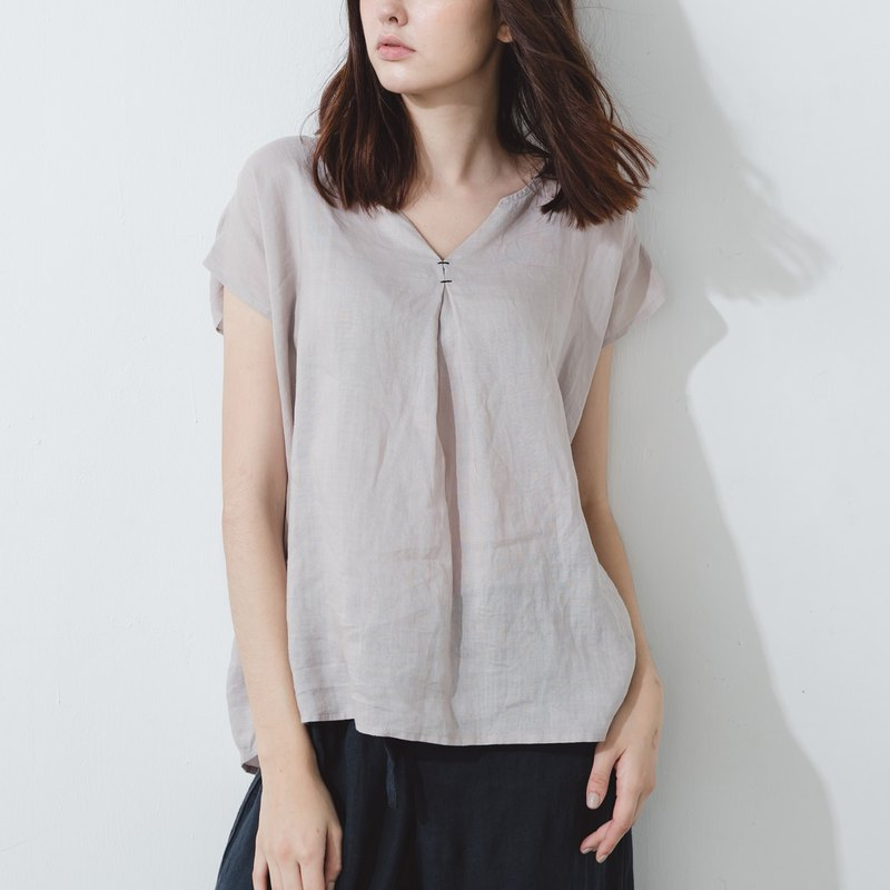 V-neck top with contrasting stitching  - Ash gray