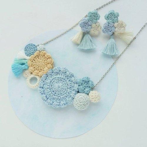 粉蓝花花钩织颈链 (不包含图中耳环)