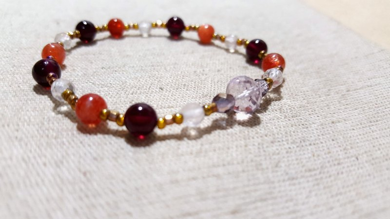 crystal in dearsharka || dotdot. Garnet red strawberry crystal x x x pink rose quartz amethyst